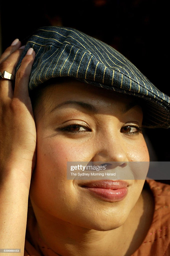 Performer Natalie Mendoza, 18 June 2003. SMH Picture by TAMARA DEAN : News Photo