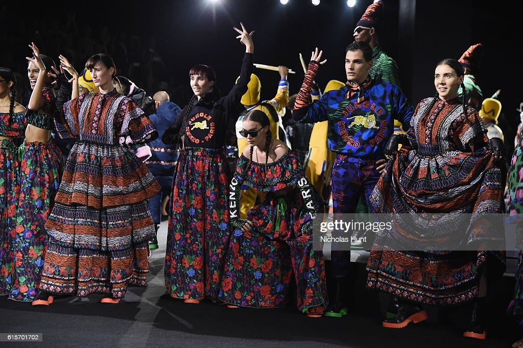 KENZO x H&M Launch Event Directed By Jean-Paul Goude' - Runway Show : News Photo