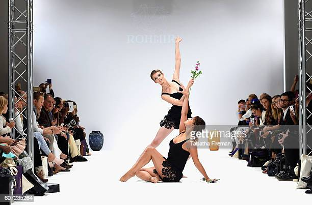 Performers dance on the runway at the Rohmir show at Fashion Scout during London Fashion Week Spring/Summer collections 2017 on September 17, 2016 in...