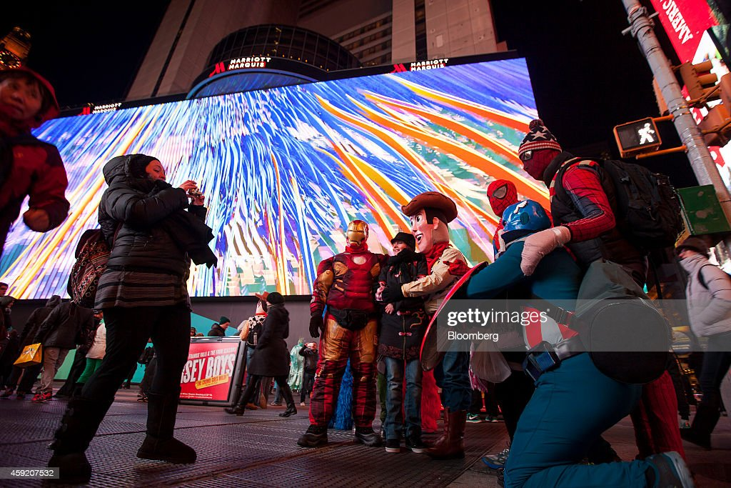 Google Takes Times Square's Crown With Half-Acre Billboard : News Photo