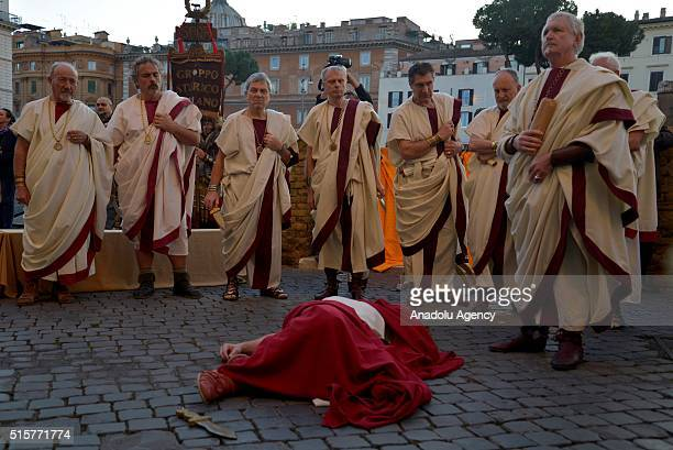 Performers from the 'Gruppo Storico Romano' take part in a show reenacting the assassination of Julius Caesar in Rome Italy on March 16 2016 to...