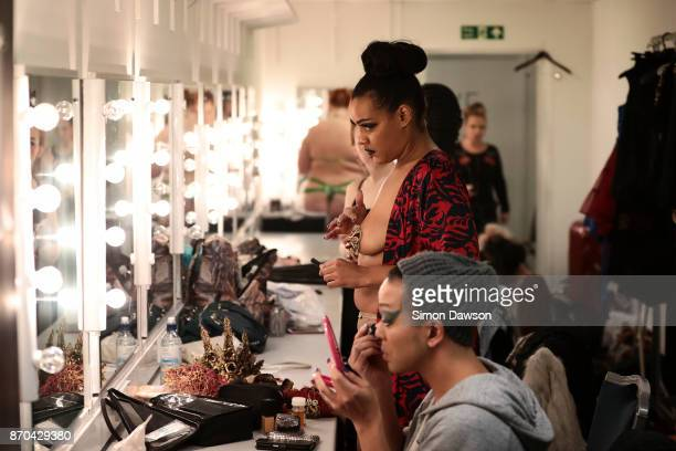 Performers prepare at the dressing rooms at the World Burlesque Games 2017 on November 4 2017 in London England The World Burlesque games is the...