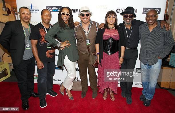 Performers Reginald Calloway, Vincent Calloway, Siedah Garrett, Howard Hewett, Deniece Williams, Leon Ware and Greg Phillinganes pose for a photo at...