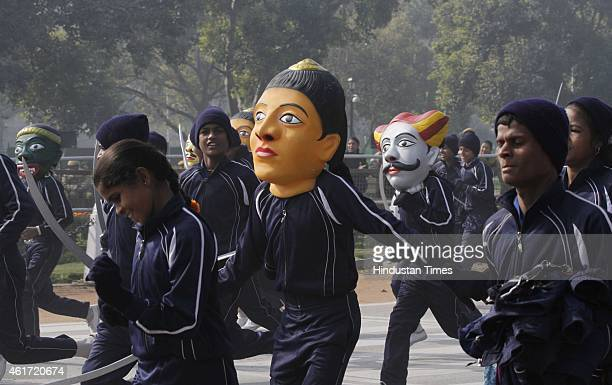 Performers rehearse during the rehearsals for the Republic Day parade at Raj Path on January 18 2015 in New Delhi India Republic Day is celebrated...
