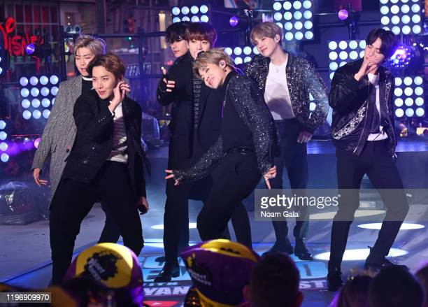 Performs during Dick Clark's New Year's Rockin' Eve With Ryan Seacrest 2020 on December 31, 2019 in New York City.