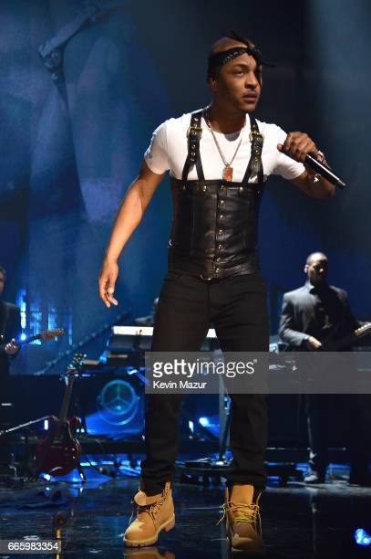 I performs in honor of 2017 Inductee Tupac Shakur onstage during the 32nd Annual Rock Roll Hall Of Fame Induction Ceremony at Barclays Center on...