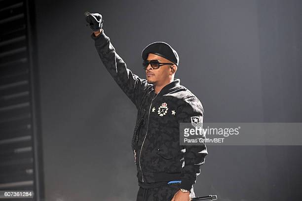 Performs onstage during the 2016 BET Hip Hop Awards at Cobb Energy Performing Arts Center on September 17, 2016 in Atlanta, Georgia.