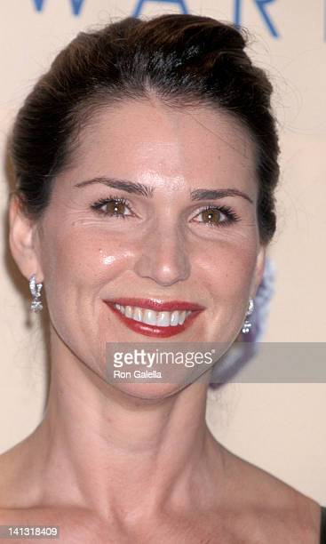 Peri Gilpin at the 6th Annual Screen Actors Guild of America Awards Shrine Auditorium Los Angeles