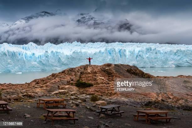 perito moreno big glacier. - 跟拍鏡頭 個照片及圖片檔