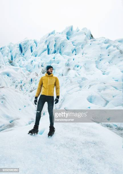 perito moreno glacier in argentina - glacier collapsing stock pictures, royalty-free photos & images