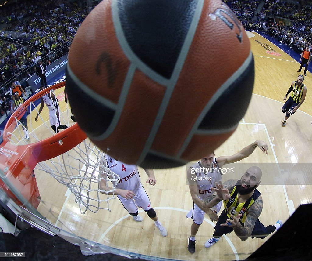 Fenerbahce Istanbul v Brose Bamberg - Turkish Airlines Euroleague