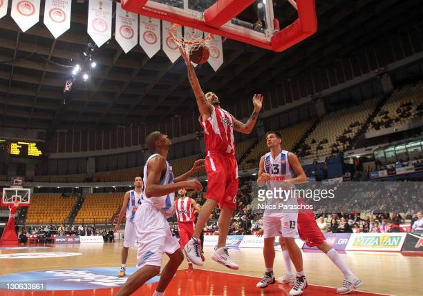 Pero Antic #6 of Olympiacos Piraeus in action during the 20112012 Turkish Airlines Euroleague Regular Season Game Day 2 between Olympiacos Piraeus v...