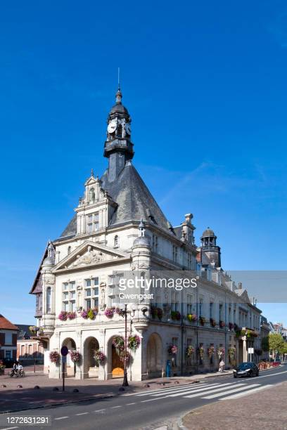 peronne city hall - gwengoat stock pictures, royalty-free photos & images