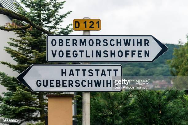 perplexing village names in alsace, eastern france - deutsche kultur stock-fotos und bilder