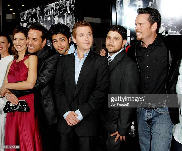 Perrey Reeves Jeremy Piven Adrian Grenier Kevin Connolly Jerry Ferrara and Kevin Dillon