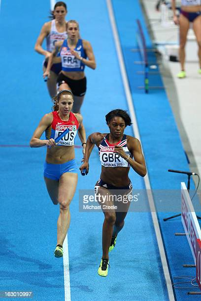 Perri ShakesDrayton of Great Britain and Northern Ireland sprints to the finish line ahead of Ksenia Zadorina of Russia to win gold in the Women's...