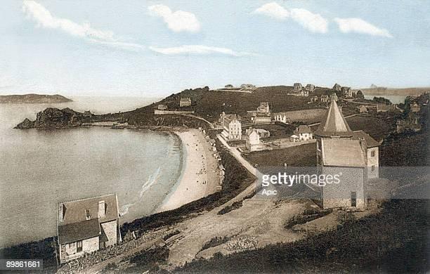 Perros Guirec beach of Trestrignel poscard c 1937