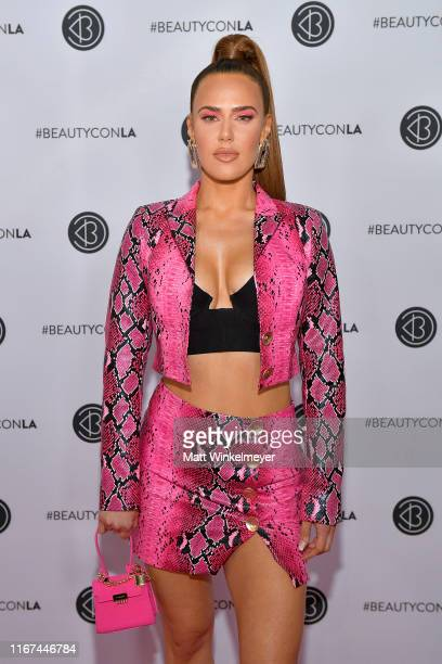 Perry attends Beautycon Los Angeles 2019 Pink Carpet at Los Angeles Convention Center on August 11, 2019 in Los Angeles, California.