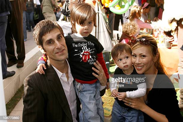 Perry Farrell Etty Farrell and children
