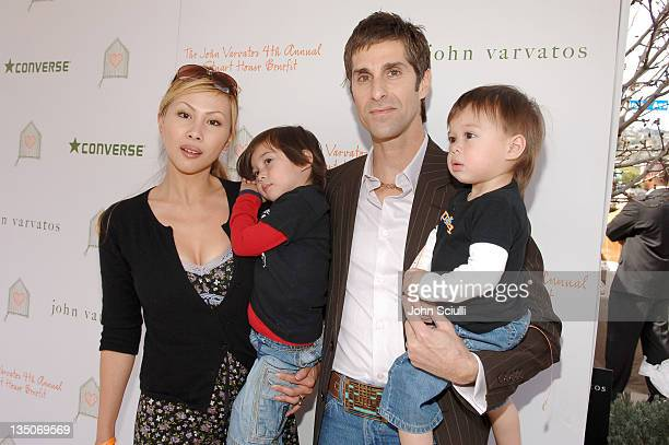 Perry Farrell wife Etty Farrell and children