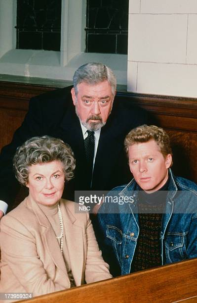 Barbara Hale as Della Street Raymond Burr as Perry Mason William Katt as Paul Drake Jr