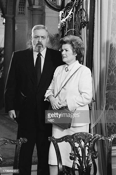 Raymond Burr as Perry Mason Barbara Hale as Della Street