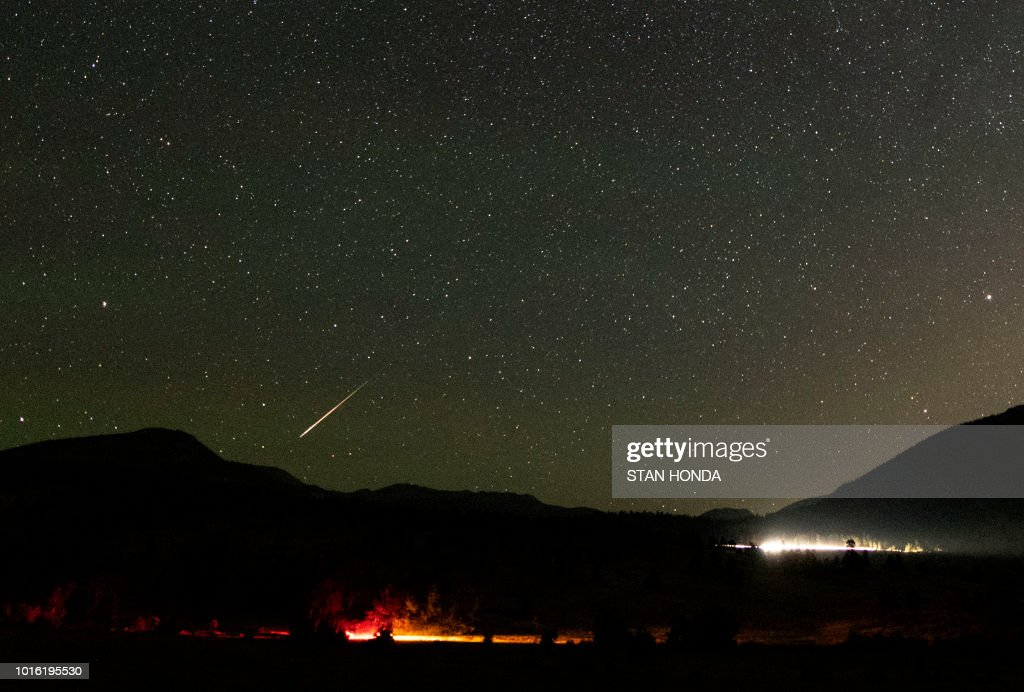 TOPSHOT-US-astronomy-meteor-Perseid : News Photo