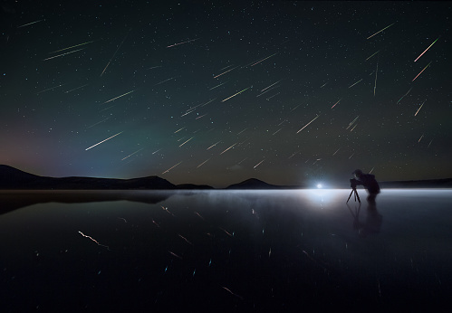 Perseid Meteor Shower (Perseids). Lake Duolun, Inner Mongolia, China. - gettyimageskorea
