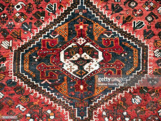 persian carpet detail - tapijt stockfoto's en -beelden