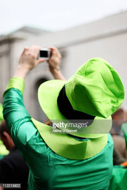 person dressed as a leprechaun, st. patrick's day - leprechaun stock pictures, royalty-free photos & images