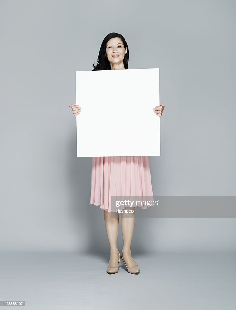 Person holding blank card : Stock-Foto