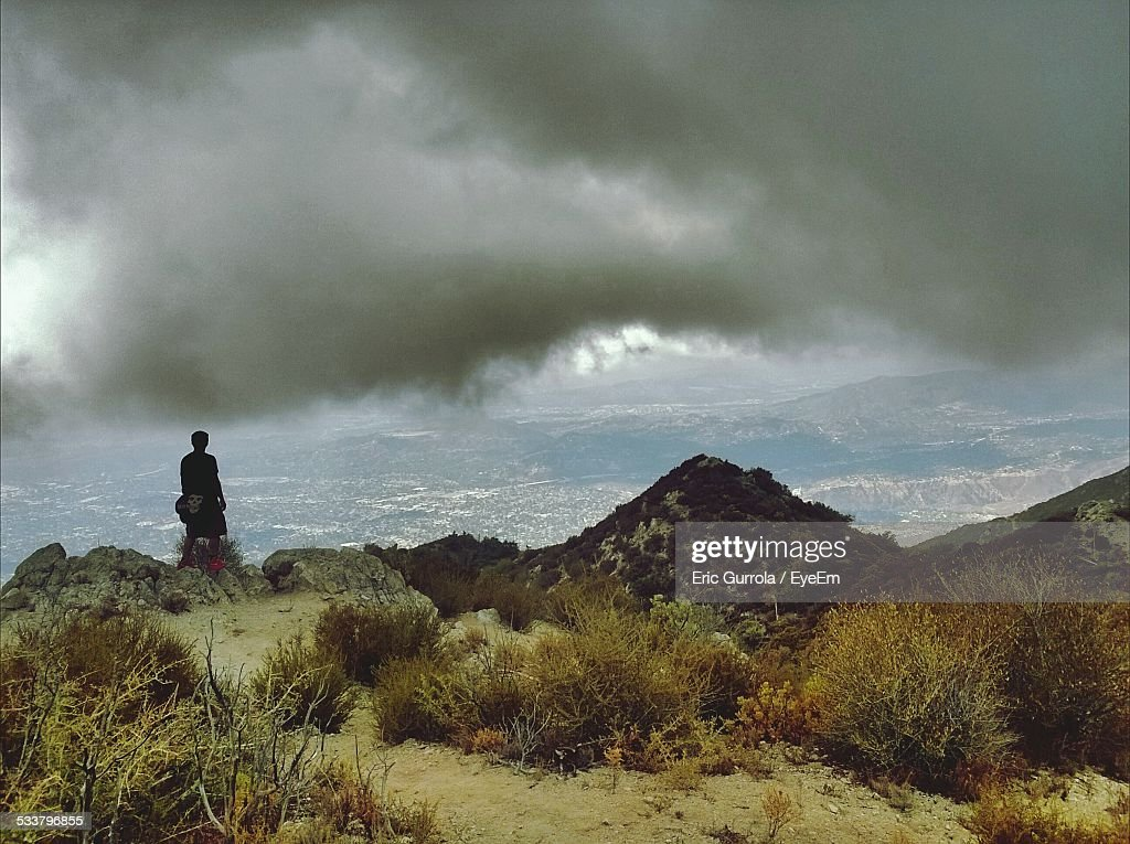 Person Looking At Landscape : Foto stock