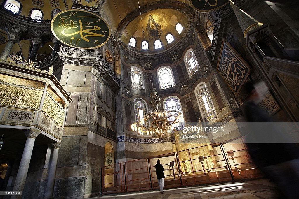 Istanbul Prepares For Papal Visit : News Photo