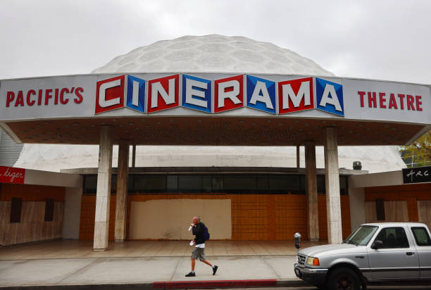 CA: Hollywood's Famed Cinerama Dome To Close