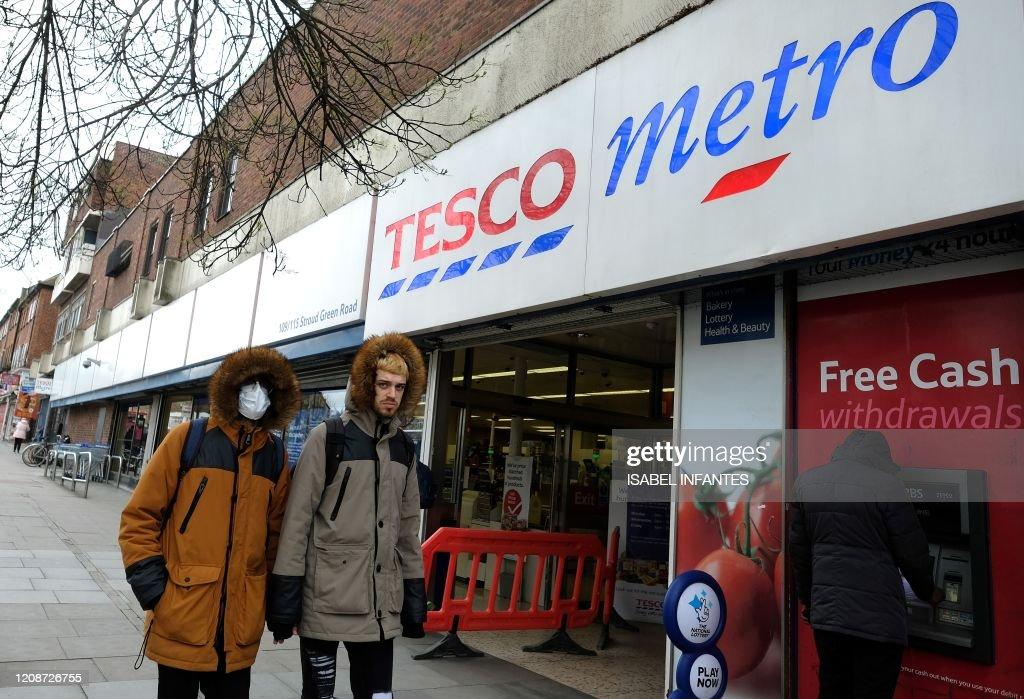BRITAIN-HEALTH-VIRUS-RETAIL-FOOD : News Photo