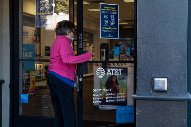 CA: AT&T Stores Ahead Of Earnings Figures
