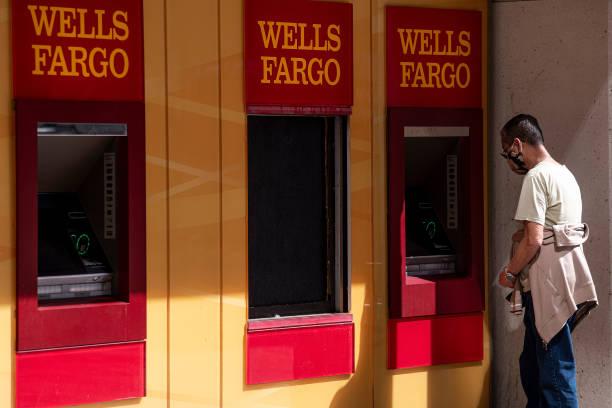 CA: A Wells Fargo Bank Branch Ahead Of Earnings Figures
