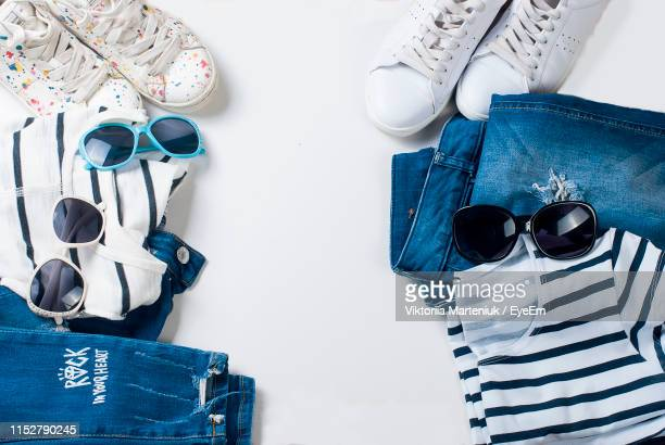personal accessories and clothes on white background - vêtement pour femmes photos et images de collection