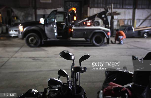 Car Repossessed With Personal Belongings In >> World S Best Repossessed Car Stock Pictures Photos And