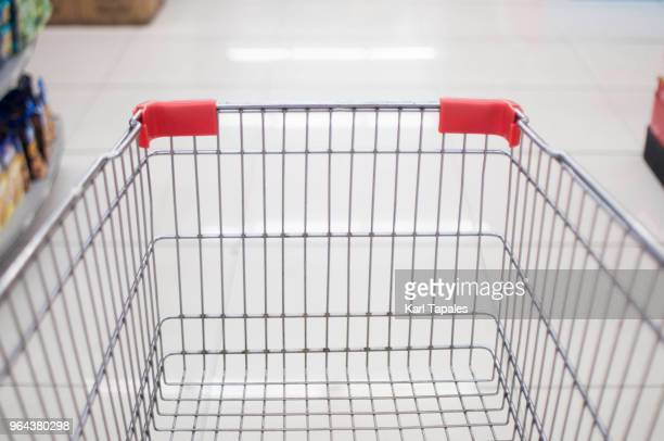 a personal point of view in the grocery store - shopping cart stock pictures, royalty-free photos & images