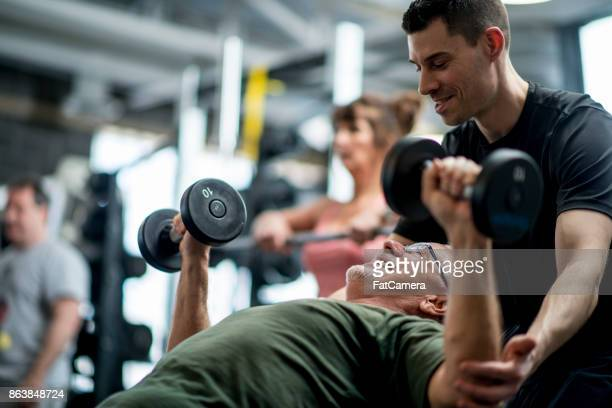 personal trainer - gym stock pictures, royalty-free photos & images