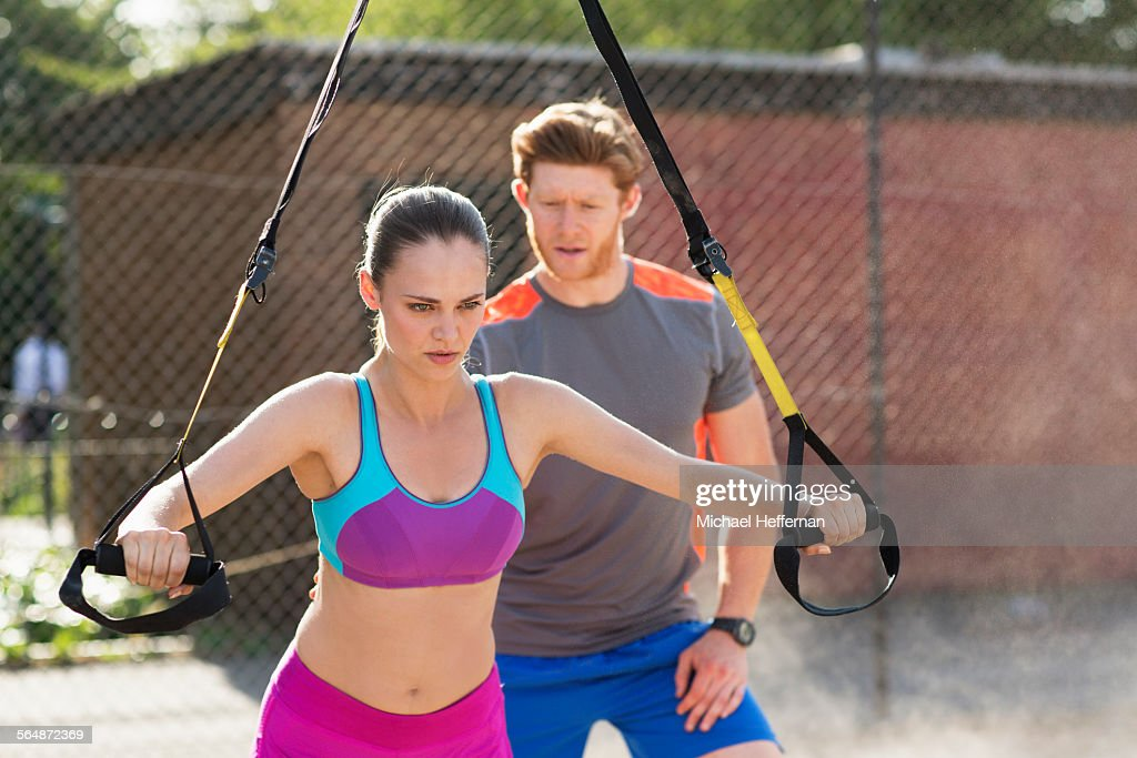 Personal Trainer with clint : Stock Photo