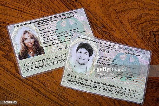 Personalausweis Iris Remmertz Personalausweis Hansjörg Criens standesamtliche Trauung Mönchengladbach Standesamt