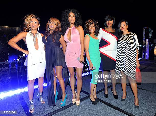 Personalities Chante Moore Lil' Mo Claudette Ortiz Michel'le Kelly Price and Dawn Robinson attend the RB Divas LA premiere event at The London on...