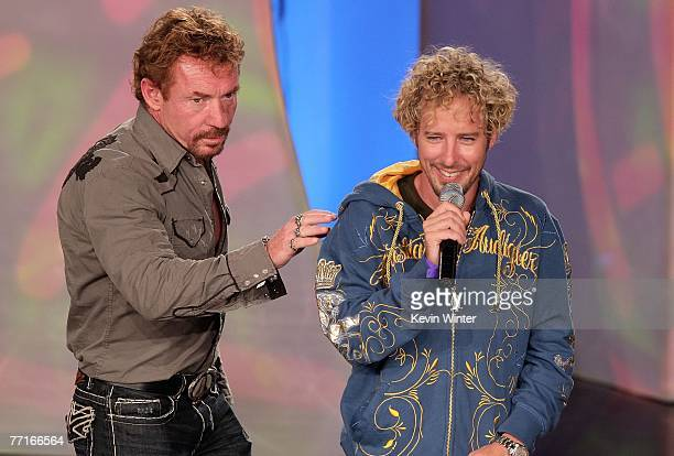 TV personalities Danny Bonaduce and Jonny Fairplay speak onstage during the 2007 Fox Reality Channel Really Awards held at Boulevard 3 on October 2...