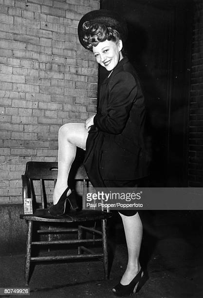 circa 1930's New York Sally Rand American exotic dancer and actress famous for her fan dance
