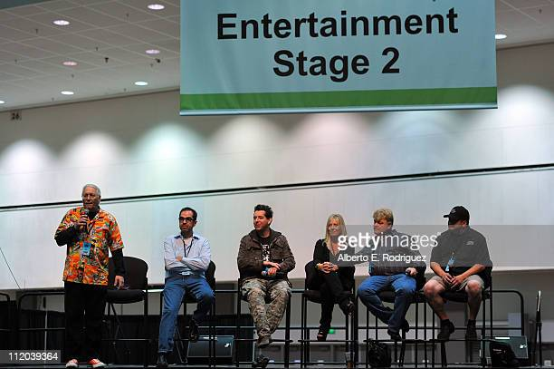 Personalities Gary Sohmers, Gary Piattoni, Geoff Notkin, Laura Dotson, Dan Dotson and Dave Hester speak at Reality Rocks Expo - Day 2 at the Los...