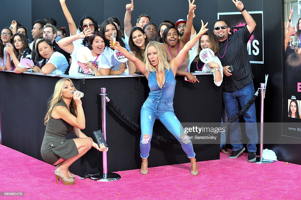"Premiere Of STX Entertainment's ""Bad Moms"" - Arrivals"