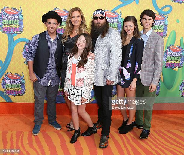 TV personalities Lil Will Robertson Korie Robertson Bella Robertson Willie Robertson Sadie Robertson and John Luke Robertson from Duck Dynasty attend...