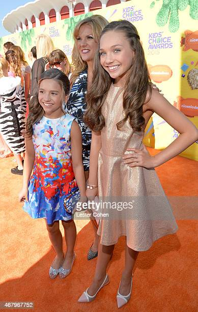 TV personalities Mackenzie Ziegler Melissa Ziegler and Maddie Ziegler attend Nickelodeon's 28th Annual Kids' Choice Awards held at The Forum on March...